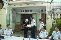Khoảng lặng sau bộ quân phục Cảnh sát biển không người mặc (2)