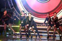 Bảo Anh nóng bỏng trên sân khấu BHYT tháng 12