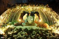 Hà Nội, Sài Gòn rực rỡ trước đêm Giáng sinh
