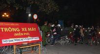 Công an Hà Nội trông xe miễn phí đêm Giáng sinh