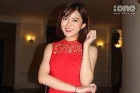 Tú Linh váy đỏ nổi bật tại lễ trao giải Quả bóng vàng