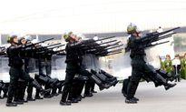 Hình ảnh trực thăng, xe bọc thép và 5.000 người xuất quân bảo vệ Đại hội Đảng