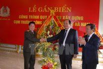 Gắn biển công trình xây trường Công an Nhân dân tại Hà Nam