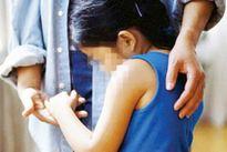 Chăm sóc mẹ tại bệnh viện, thanh niên dâm ô bé gái 14 tuổi