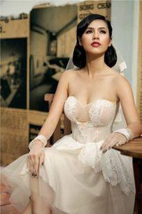 Facebook sao 18/1: Á hậu Hoàng My thừa nhận đã có tri kỷ