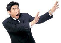Bí mật ớn lạnh của nam nhân viên tín dụng: 'Đổi tình lấy tiền'