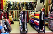 Khảo giá vải may áo dài đón Tết cho chị em Hà thành