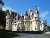 Chiêm ngưỡng những tòa lâu đài cổ nguy nga của nước Pháp thơ mộng