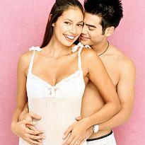 """Lời khuyên cần thiết cho mẹ bầu """"quan hệ"""" khi mang thai"""