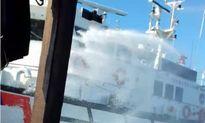 Tàu tuần tiễu Đài Loan tấn công, phun vòi rồng vào tàu cá Quảng Ngãi