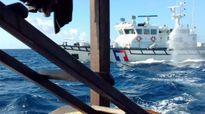 Tàu Đài Loan đâm mạnh, phun vòi rồng xối xả vào tàu cá Quảng Ngãi ở Trường Sa