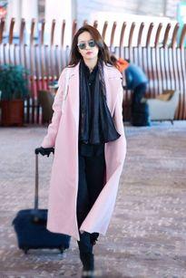 Lưu Diệc Phi đẹp 'từng centimet' tại sân bay