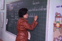 """Người """"gieo chữ"""" cho học sinh dân tộc Chứt"""