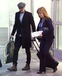 David Beckham rầu rĩ trên đường ra sân bay