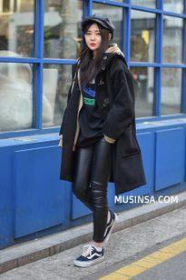 Học giới trẻ Hàn Quốc mix đồ siêu độc - đẹp với áo khoác dáng dài