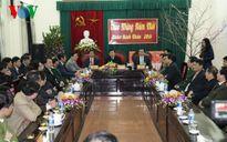 Chủ tịch nước chúc Tết tại Hà Tĩnh, dâng hương tưởng nhớ các tiền bối