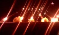 Cận cảnh 'bão lửa' BM-21 Grad cháy sáng trong đêm [VIDEO]