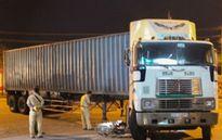 Tin tức giao thông ngày 2/2: Tông phải container, người đàn ông đi xe máy tử vong