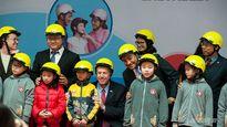 GM Việt Nam tặng 1.000 mũ bảo hiểm cho học sinh tại Hà Nội