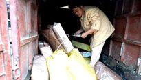 Mang 3 tạ chân gà Trung Quốc không đảm bảo vệ sinh vào Việt Nam