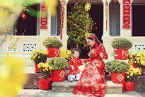 Mỹ nhân Việt e ấp với áo dài họa tiết ngập tràn sắc Xuân