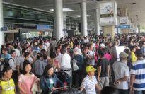 Đi lại ngày áp Tết tại TP Hồ Chí Minh: Cơ cực vì quá tải