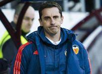 Thảm họa thua 0-7 không làm Gary Neville từ chức
