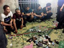 Phá ổ bạc trong khách sạn giữa Sài Gòn, tạm giữ 33 người