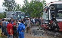 Quảng Nam: Xe tải đấu đầu xe khách, 2 người thương vong