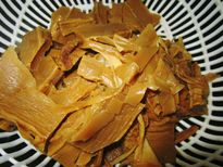 Cách nấu canh măng khô ninh xương ngon tuyệt bữa cơm ngày Tết