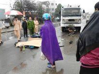Hà Tĩnh: Xe máy đâm xe chở rác, 1 người chết, 1 bị thương nặng