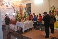 Xúc động hàng trăm người dân đến viếng doanh nhân Hà Linh