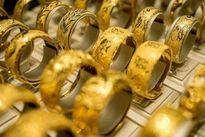 Ngày 5/2, giá vàng tiếp tục tăng do USD trượt dốc