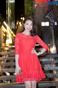 Trà Ngọc Hằng mặc váy giống Angela Baby trong sự kiện cuối năm