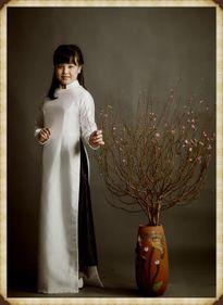 Con gái Thúy Hạnh đẹp yêu kiều như thiếu nữ Hà Nội xưa
