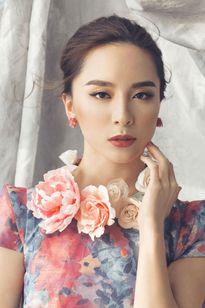 Dương Trương Thiên Lý đẹp dịu dàng đón Tết