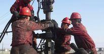 Giá dầu ngắt mạch tăng 2 tuần liên tiếp