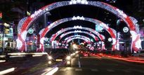 Người dân đổ ra đường đón năm mới Bính Thân