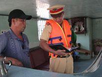 Tiền Giang: CSGT đường thủy canh giữ cho kênh Chợ Gạo an toàn