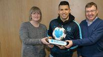 """Ảnh ngôi sao 24h: Messi, Suarez, Neymar tự tin """"hủy diệt"""" Levante"""