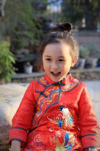 Cư dân mạng phát sốt với vẻ đáng yêu của sao nhí Lưu Sở Điềm
