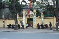 Người Hà Nội đi lễ chùa cầu may ngày đầu năm