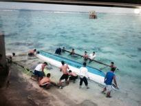 Bộ đội đảo Sinh Tồn cứu một ngư dân Philippines