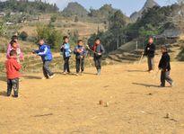 Tìm về trò chơi Tu lu của người Mông ngày xuân