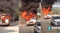 Xe khách 29 chỗ bốc cháy dữ dội ngày mùng 2 Tết