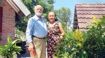 Ông già Đan Mạch và người vợ bán chôm chôm 20 năm ăn tết Việt