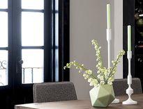 Những mẫu lọ hoa hiện đại hoàn hảo trong nhà đón Tết