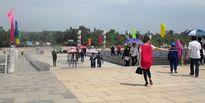 Gần 5 nghìn lượt khách đến thăm Tượng đài Mẹ Việt Nam anh hùng