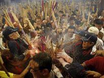 Dân Hong Kong nháo nhác vì thầy phong thủy phán