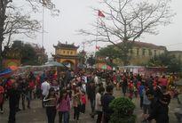 Dòng người chen chân vào Lễ hội cầu duyên đầu năm